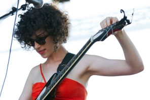 st-vincent-16th-festival-superbock-superrock-day-1-02