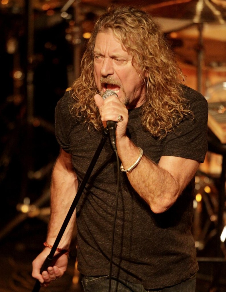 Robert Plant plays the Mobile Saenger Theatre