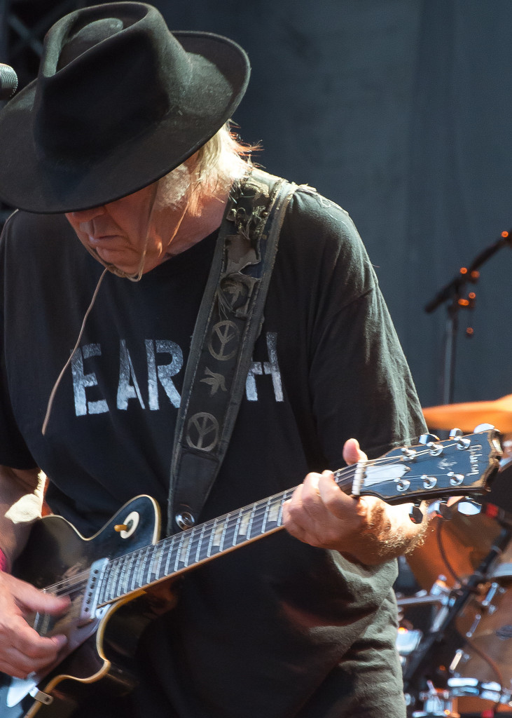 Neil Young & Crazy Horse - Zollhafen / Nordmole, Mainz, Germany 28 July 2014 by  Takahiro Kyono